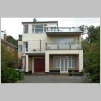 10, Kerry Avenue, Stanmore, London, by Gerald Lacoste, 1937, photo on daveanderson.me.uk.jpg