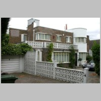 2, Kerry Avenue, Stanmore, London, by Gerald Lacoste, 1937, photo on daveanderson.me.uk.jpg