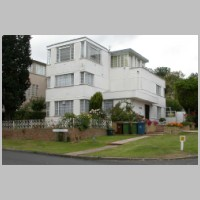 2, Valencia Road, Stanmore, London, by Douglas Wood Architects, 1935, photo on daveanderson.me.uk.jpg