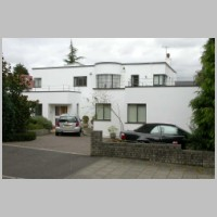 6, Kerry Avenue, Stanmore, London, by Gerald Lacoste, 1937, photo on daveanderson.me.uk.jpg