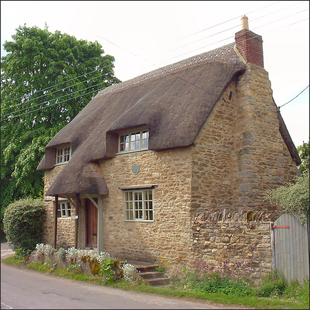 1000 Images About Architecture Thatched Roof Houses On